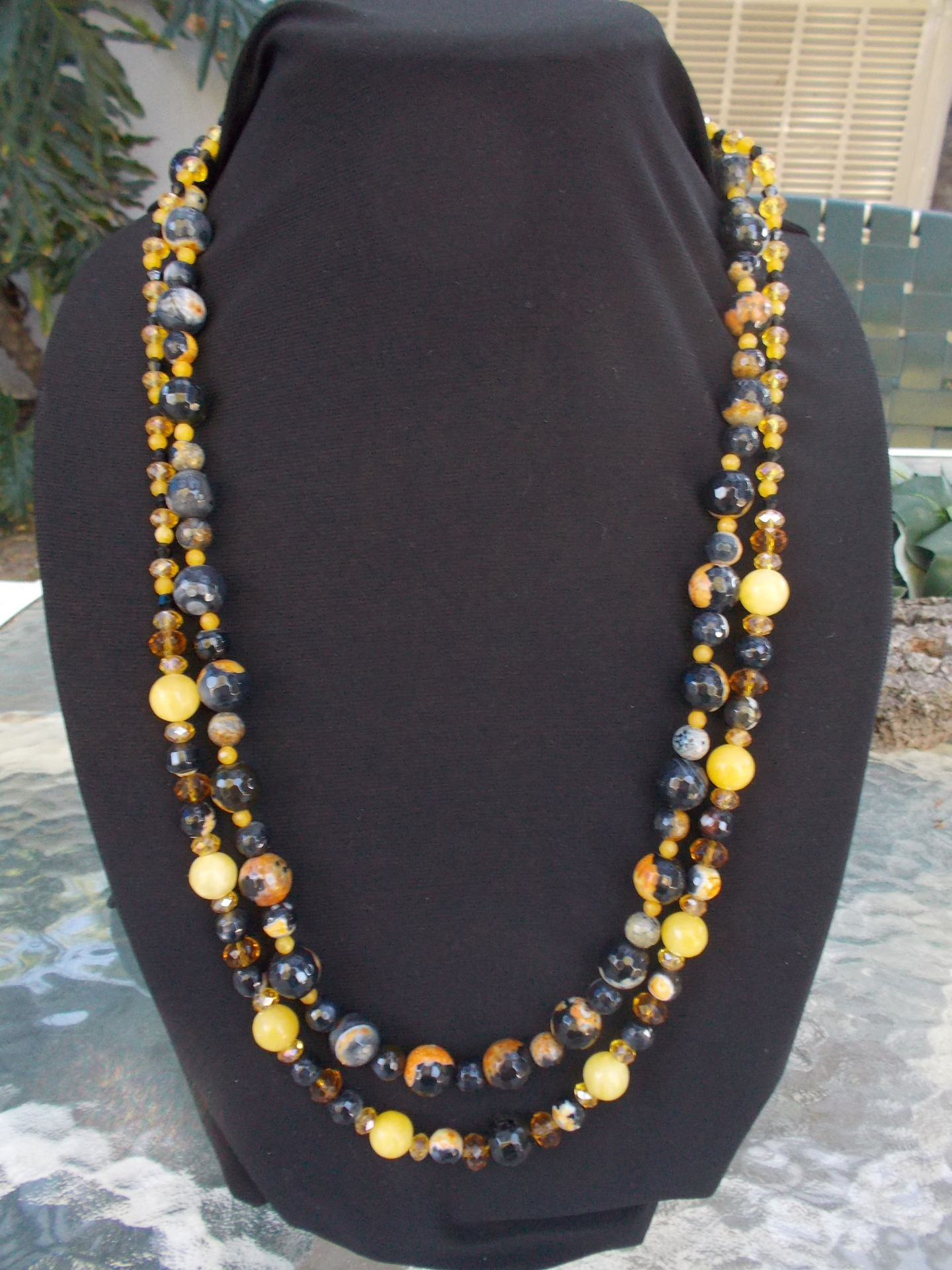 Black granite & Yellow Jade